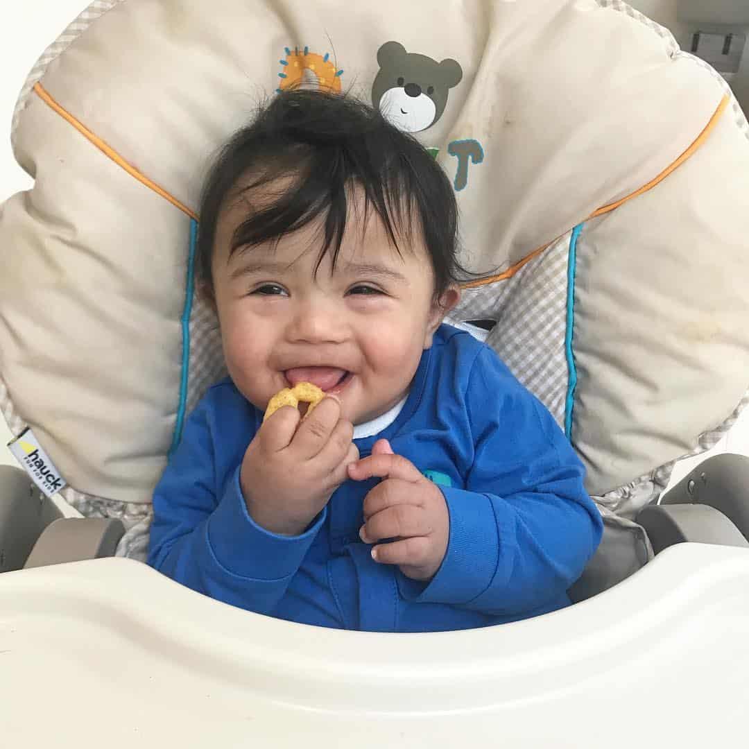 Snack time! downsyndrome weaning blw downsyndromefamily downsyndromeawareness t21 theluckyfew grossmotorskillshellip